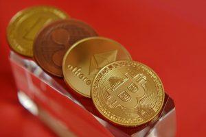face bani folosind bitcoin